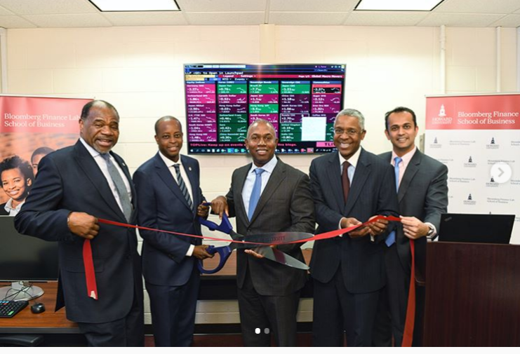 Howard Celebrates $250,000 Donation to Start New Bloomberg Finance Lab